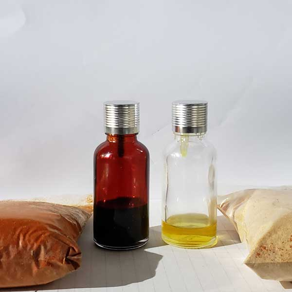 Capsanthin and chili oil extracted by supercritical CO2 in one process